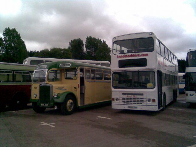 Gaydon Bus Festival 2016a